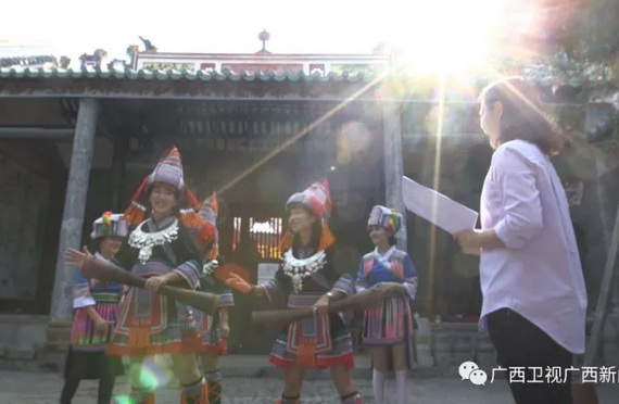 【十九大代表风采】杨剑华:坚守文化阵地 服务人民群众