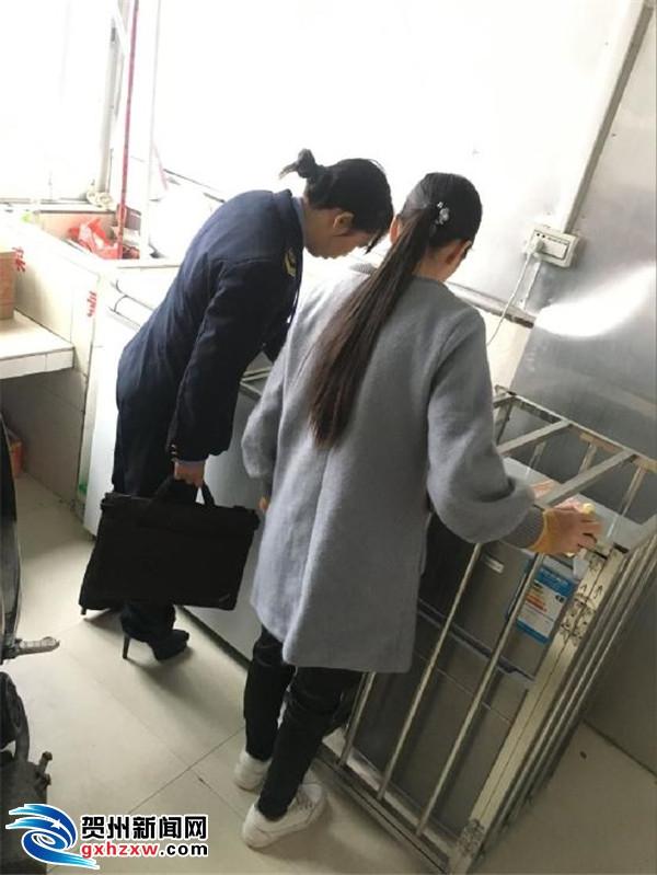 黄田食品药品监督管理所开展春季学期学校及学校周边食品安全排查整治