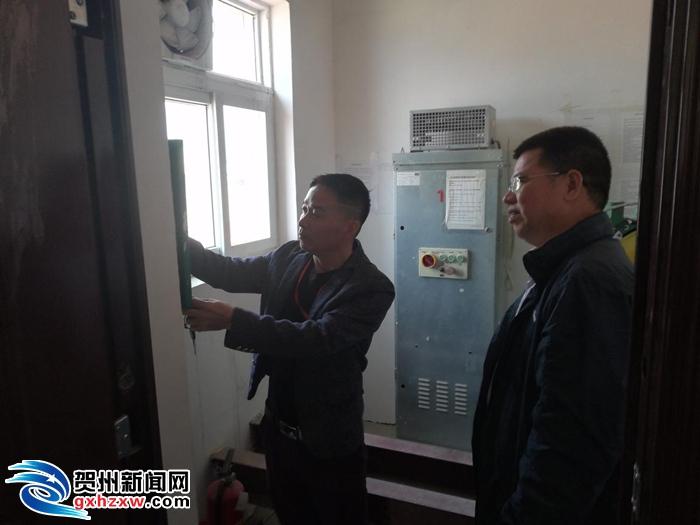 昭平县质量技术监督局依法责令停用检验不合格电梯