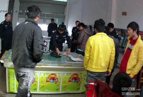 富川:驻村民警勤走访 赌博机无处藏匿