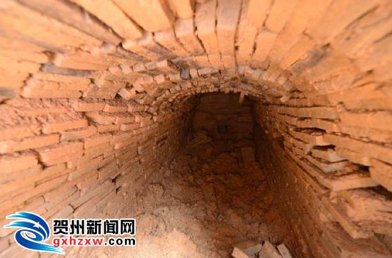 贺街镇香花村发现一座古墓