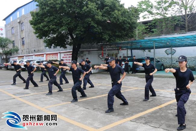 钟山法院:强化法警训练,提升队伍战斗力