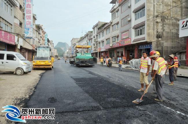 平桂:加快城区基础设施改造